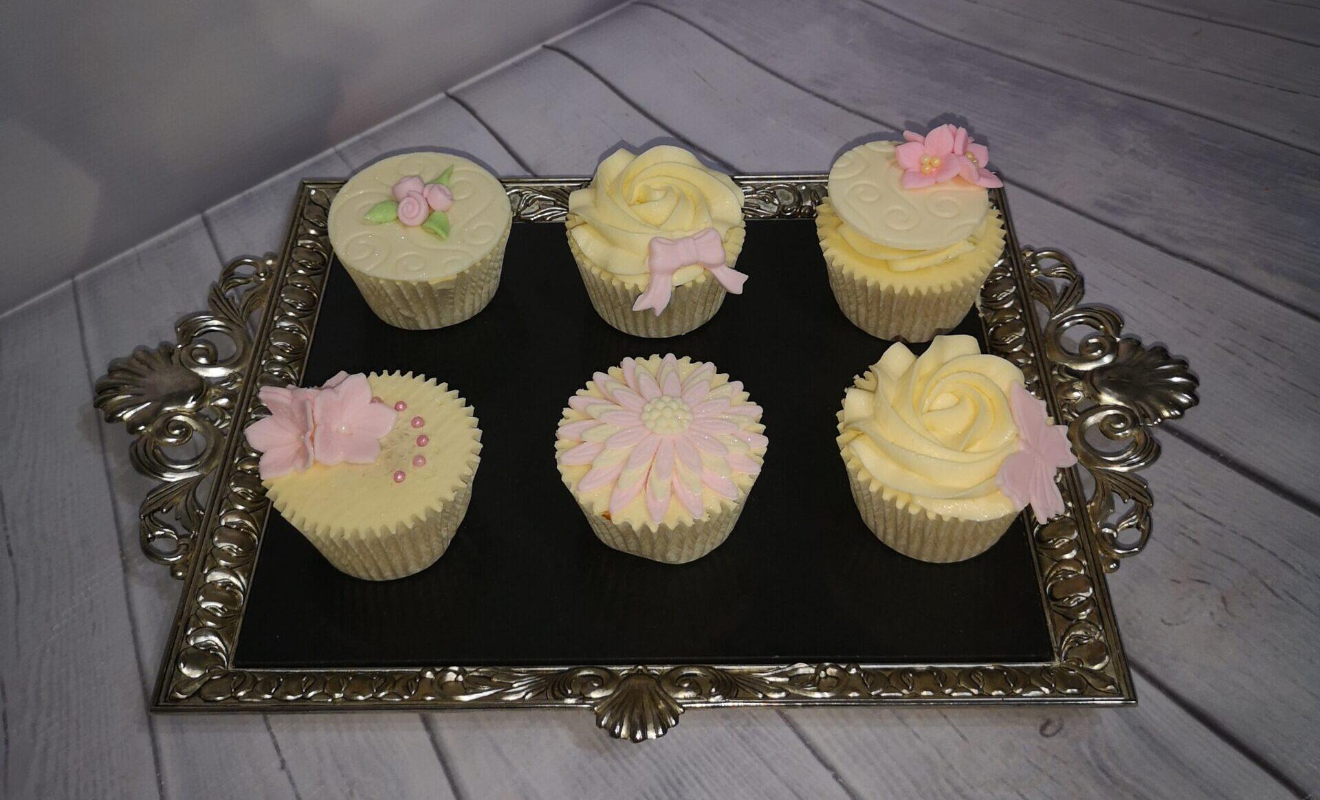 6 Cakes